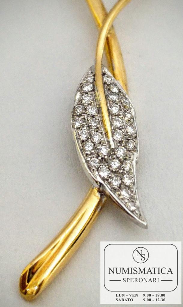 orecchini Alfieri St John dettaglio foglia diamanti
