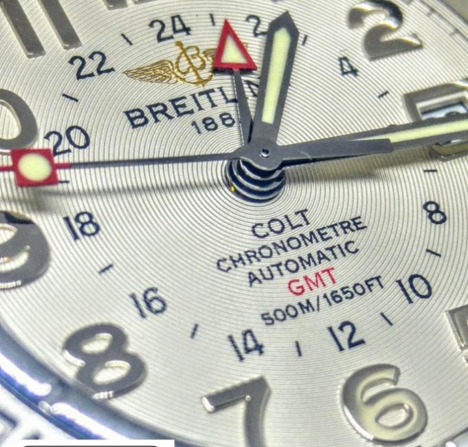 Breitling Colt GMT quadrante numeri arabi