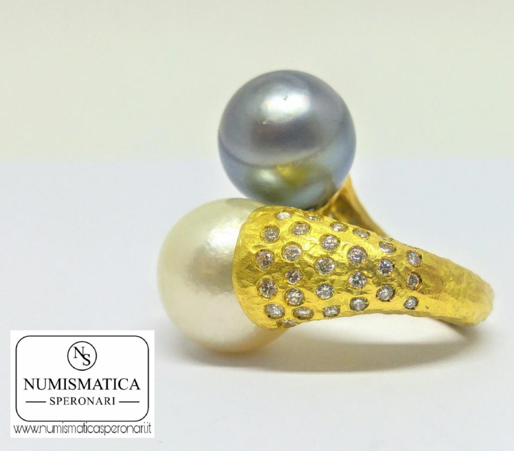 Anello doppia perla e diamanti, Numismatica Speronari via Speronari 7 MIlano, www.numismaticasperonari.it